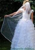 Bílý jednoduchý závojíček  (150cm),
