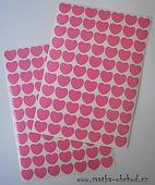 77 světle růžových srdíček (č. 22),