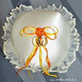Šampáňo-oranžový polštářek pod prstýnky,
