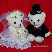 Medvídci 13 ve svatebním,