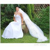 Bílý svatební závoj 300+100A,