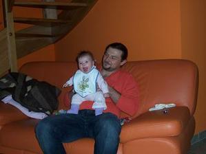 vánoce 2008,moji miláčkové.Ted už je dcerka o hodně větší :-)