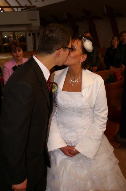 Katka Mikušová{{_AND_}}Marcel Kračuník - ...prvý novomanželský....sladký...