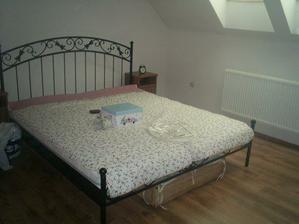 naše postel
