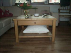 mnou navržený konferenční stolek
