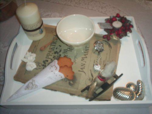Vánoce u nás v Bullerbynu - vintage tác na konferenční stolek