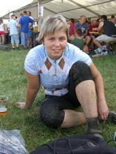 moje svědkyně (sestřenka) po absolvování mtb maratonku :)