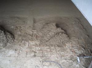 30.5.2010 betonujeme garáž