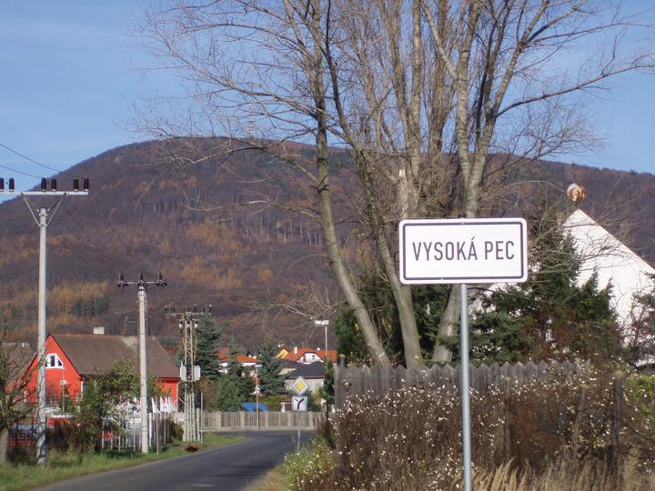 Vesnička pod Krušnými horami.