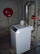 Plynový kotel, netuším v jakém je stavu a jestli se bude muset vyměnit, ale asi ano.