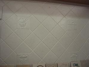 12.3.2010 nejsem zastánce kuchyňských motivů v kuchyni, ale tohle se mi moc líbí-Šujan Most