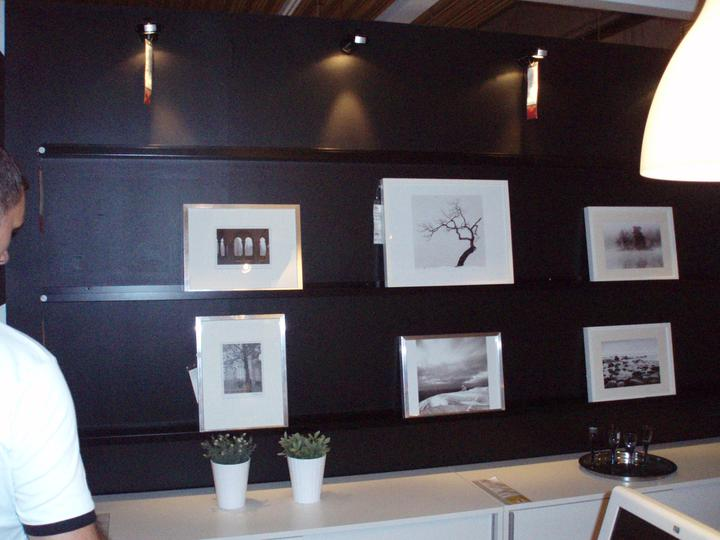 Poličky na obrázky-koupeno Ikea