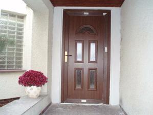 Konečně naše dveře