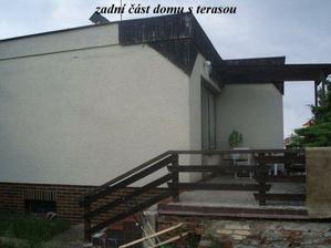 Ještě si hodně máknem, naž to bude dům našich snů. Snad i střecha jednou bude.