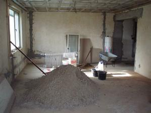 27.3.2009 už máme v obýváku zase bordel, tentokrát pískoviště