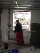 27.3.2010 vybourané a dozděné okno v kuchyní