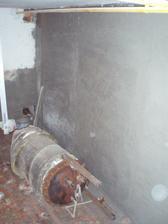 26,4,2010 vytáhnout kotel ze sklepa se ukázalo jako nadlidský úkol, musíme ho rozmontovat a vytahat po částech.