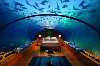 čo tak bývať pod vodou...