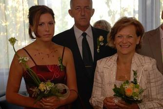 Má sestřička svědkyně, svědek ženicha Tom a moje maminka