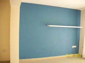 obyvacia stena, povodna farba ale bude zmenena