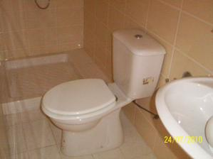 nasa mala kupelnicka:) konecne budem mat uzatvaratelny sprchovaci kut