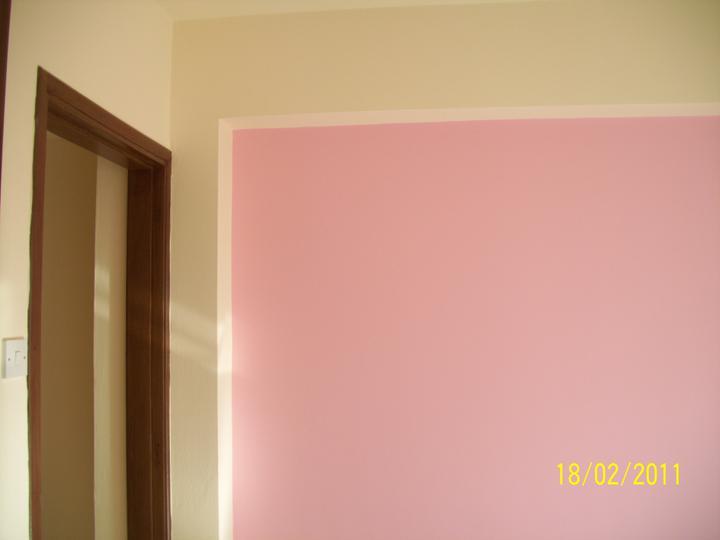 Takto pokracujeme.... - aj stena ladi s postelou:)