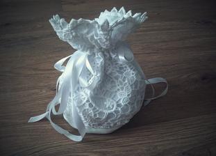 Siju siju si na svatb. :-) Ze stejne krajky jsou i svatebky