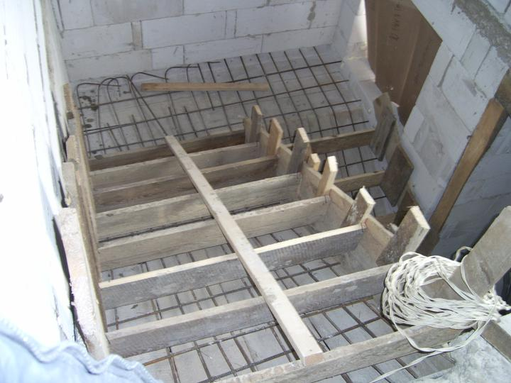 Nas domcek :) - schody este nedokoncene