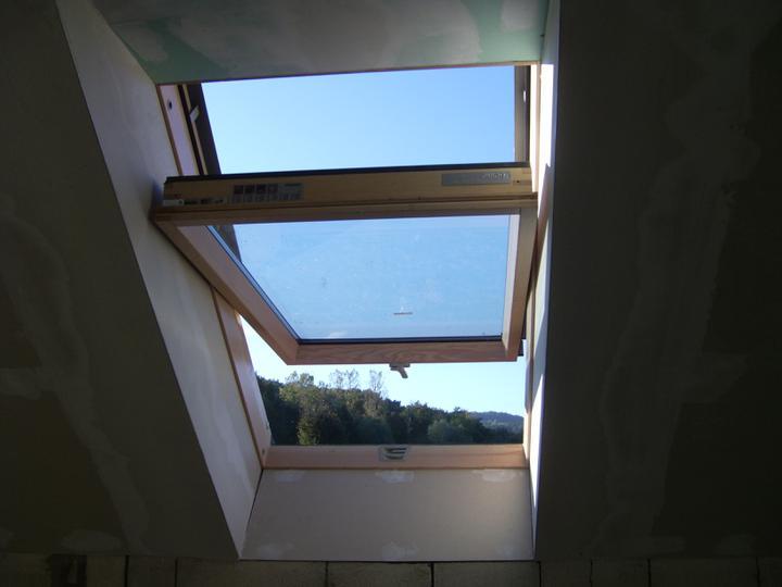 Nas domcek :) - stresne okno v spalni