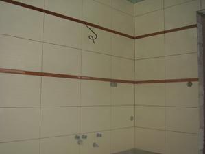 este namontujeme umyvadlo,zrkadlo na tuto stenu.
