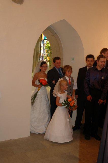 Poslední kráčí nevěsta s tatínkem