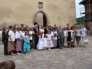 Naše velké příbuzenstvo (svatba byla veliká, na fotce není ještě spousta kamarádů a kolegů)