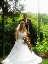 ...již novomanželé (fotila nás maminka 2 dny po svatbě)