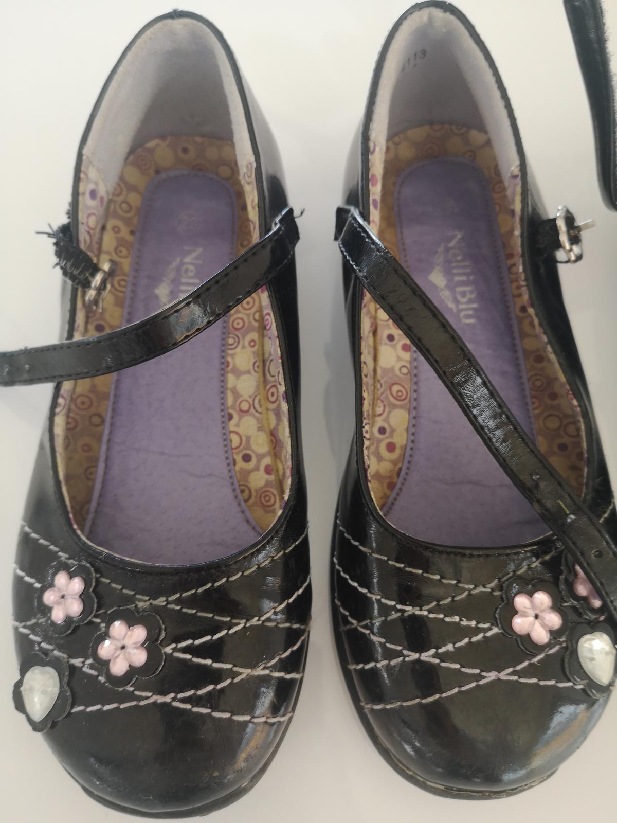 sandálky s kytičkou - Obrázek č. 1
