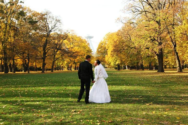 Evka{{_AND_}}Viktor - Aj svadba na jeseň má svoje čaro