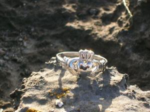 kto bol v irsku pozna moj zasnubny prsten..