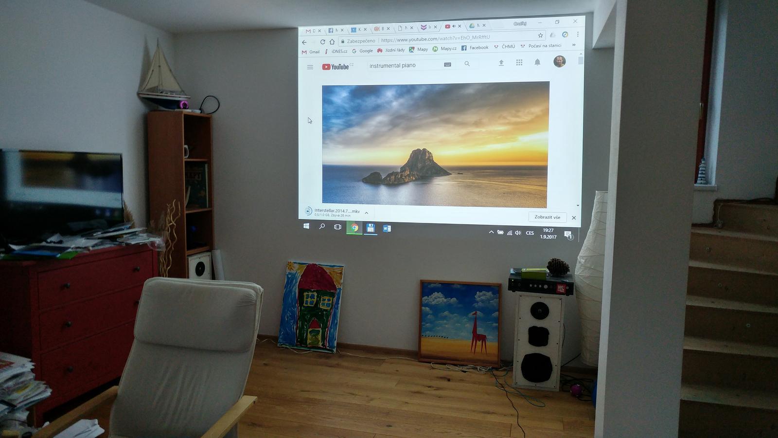 (Téměř) hotovo - 10 let starý projektor stále dobře slouží