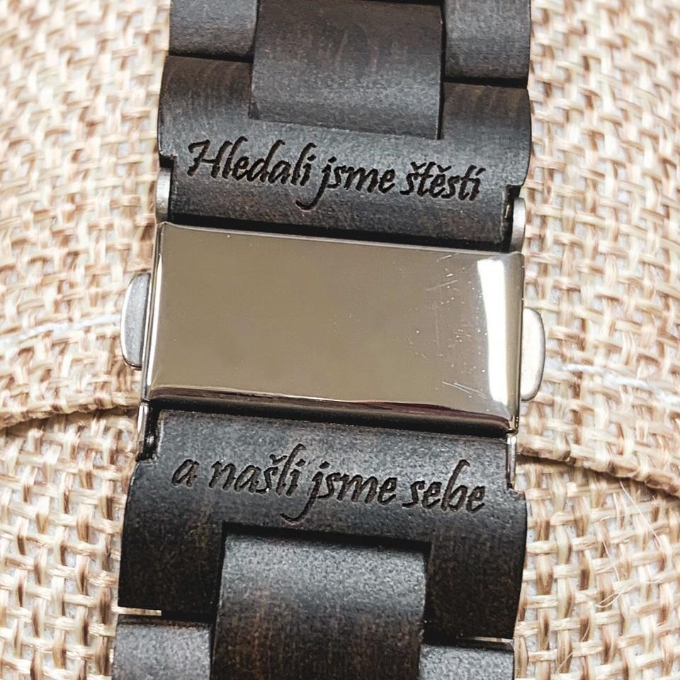 Svatební doplňky - dřevěné hodinky, náramky či brýle s vlastním gravírováním od WoodHood - WoodHood - řekněte to gravírováním, dřevěné hodinky jako stylový dárek