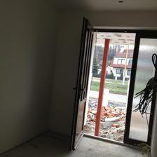vstupna chodba aj dvere som stihla umyt od farby :)