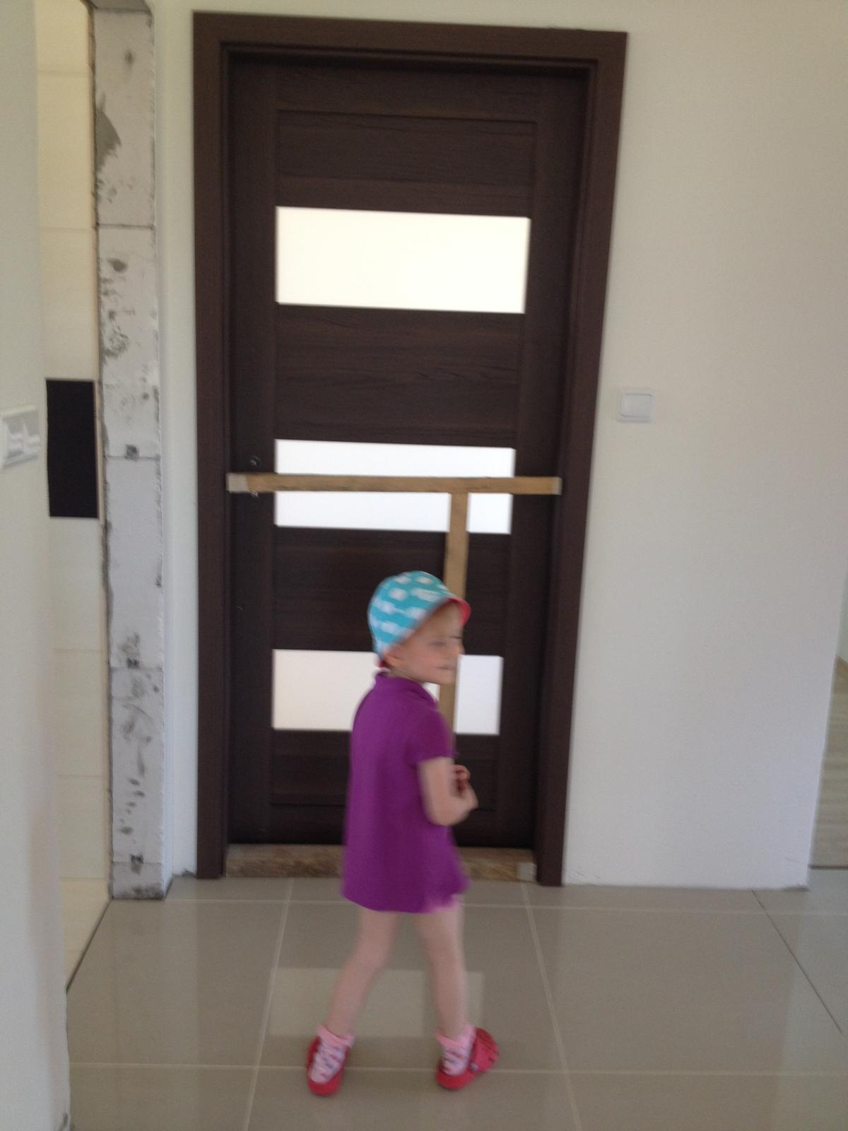 Bungalov 961 nas vysnivany domov :) - dvere sme takto robili:D