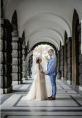 Těhotenské svatební šaty barvy champagne, 40