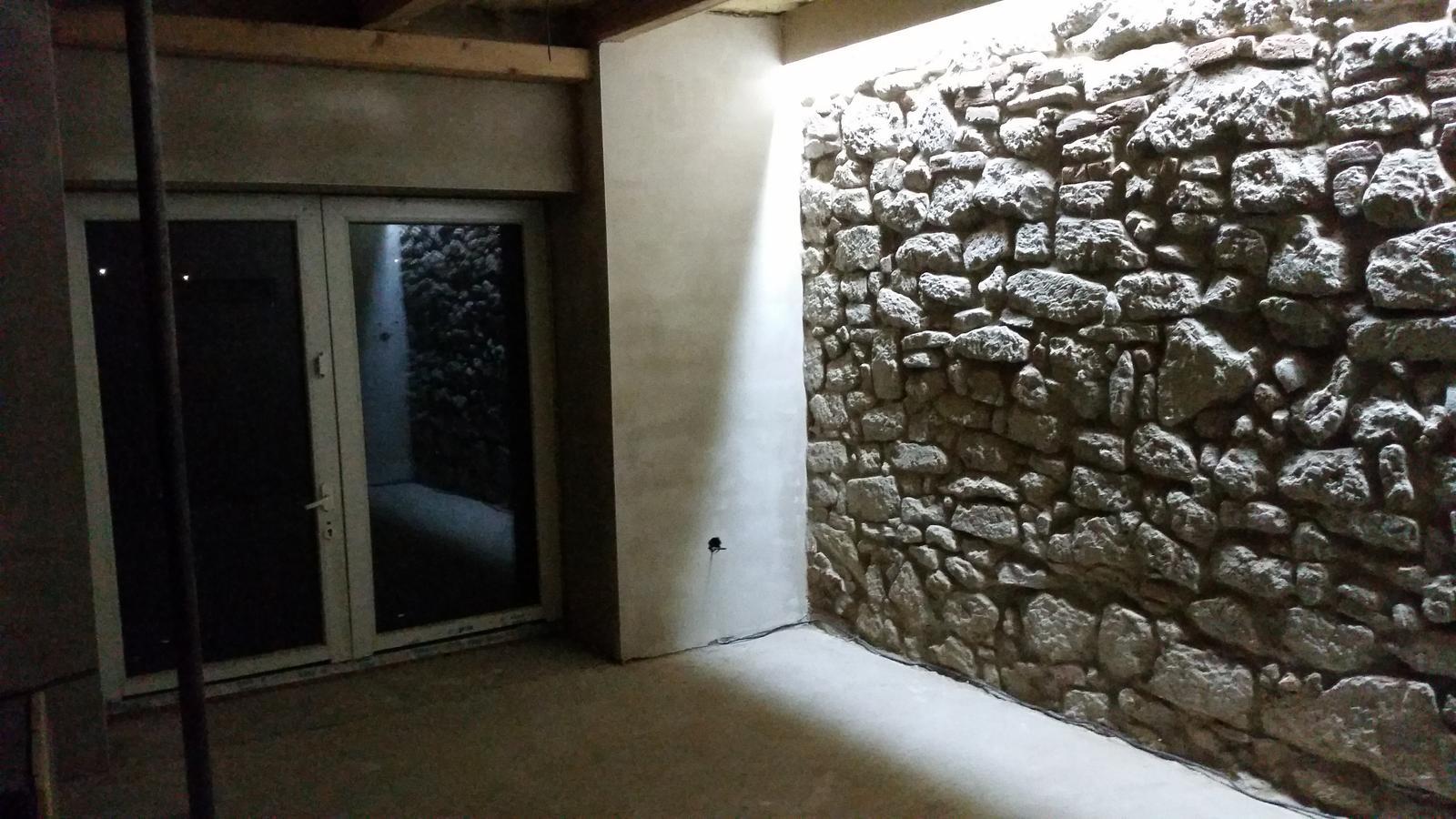 HACIENDA NAPOLI SEBECHLEBY - este stare balkonove dvere...