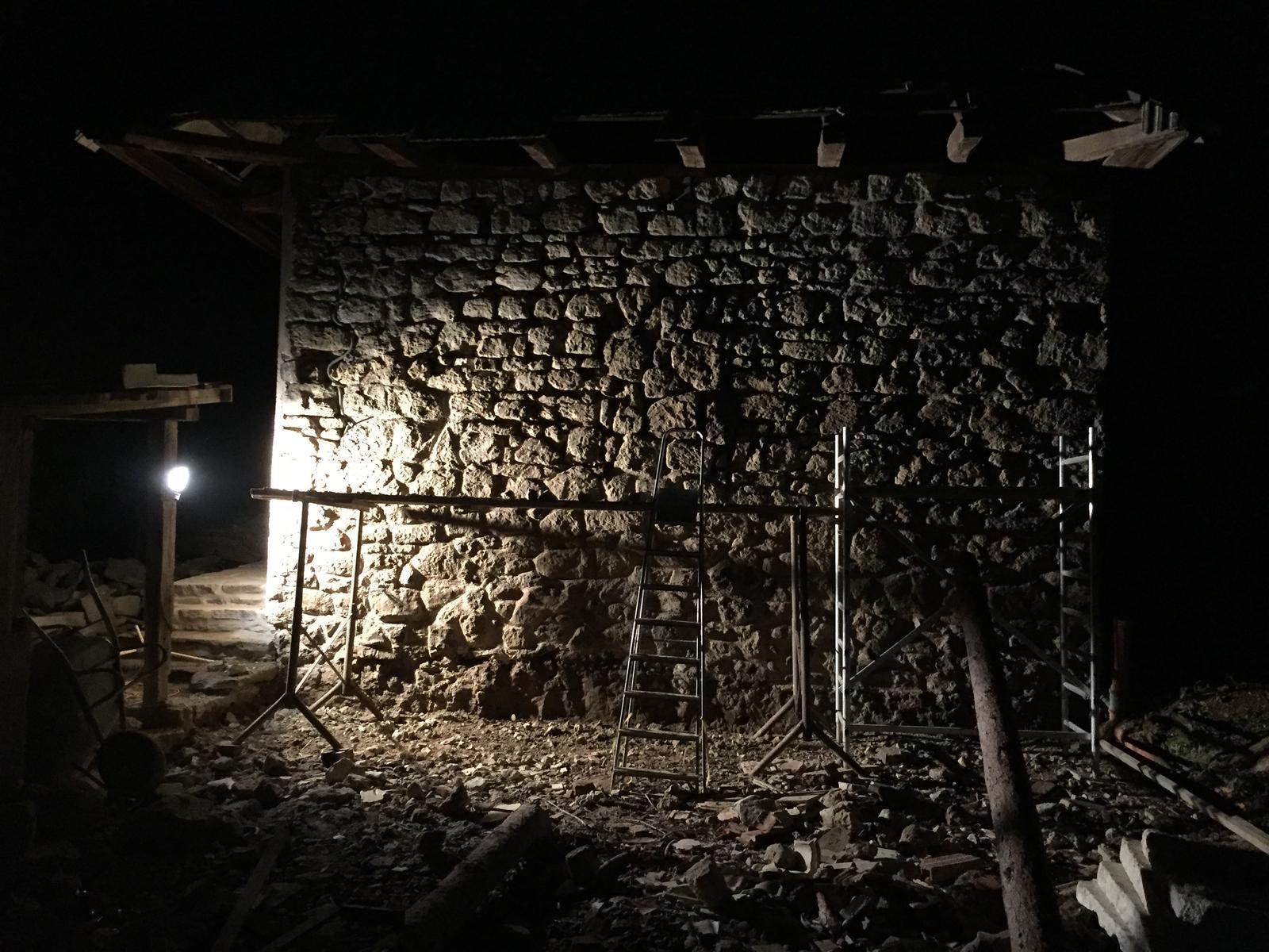 HACIENDA NAPOLI SEBECHLEBY - Mala ochutnavka toho ako bude vyzerat zadna strana altanku po dokonceni