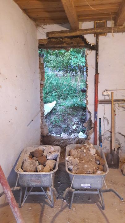 Dvere z kotolne na zadnu cast pozemku