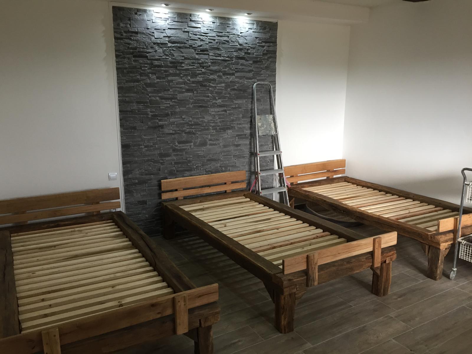 HACIENDA NAPOLI SEBECHLEBY - Prve postele na mieste :)