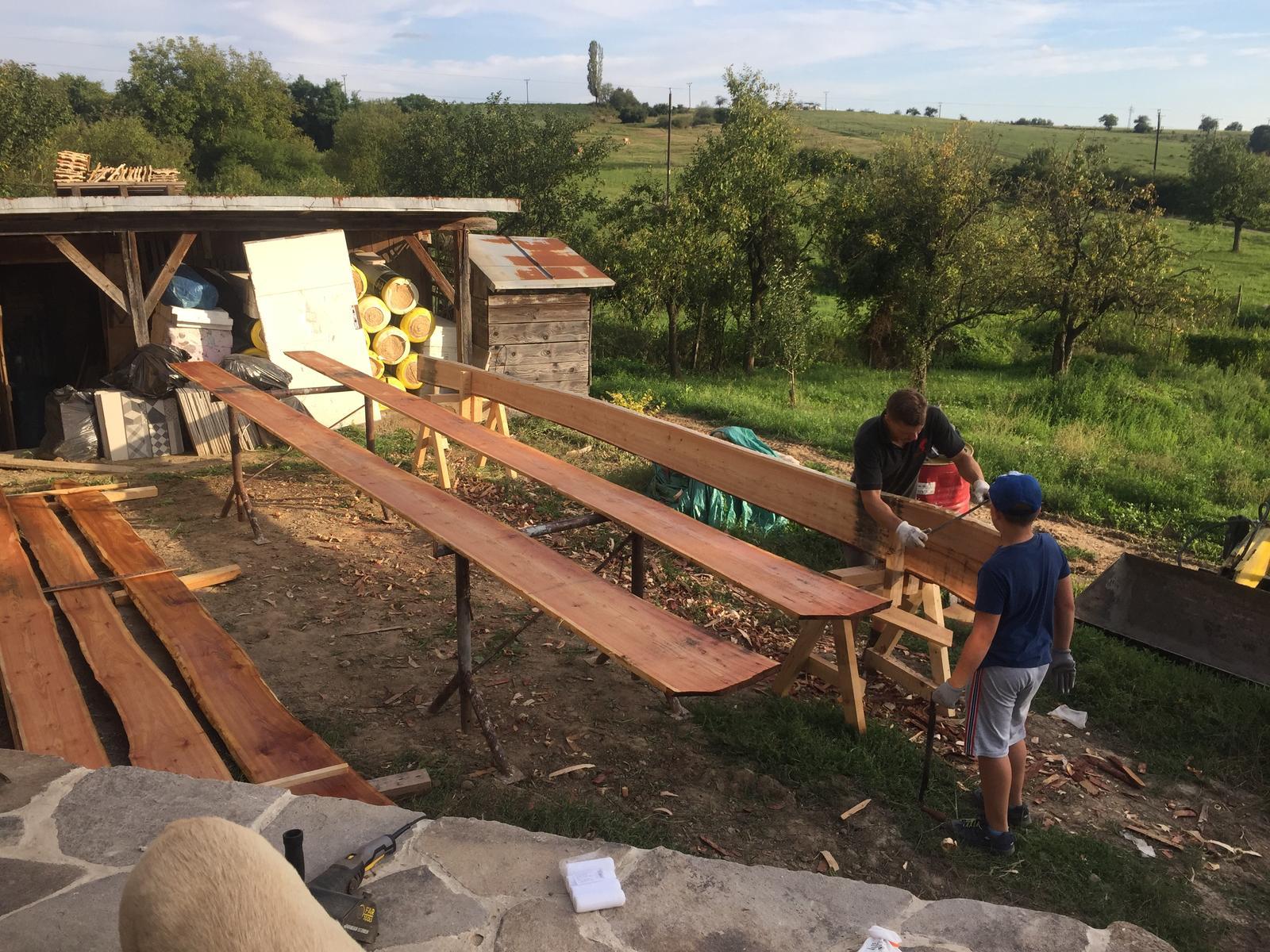 HACIENDA NAPOLI SEBECHLEBY - Priprava dreva na podbijanie-cerveny smrek