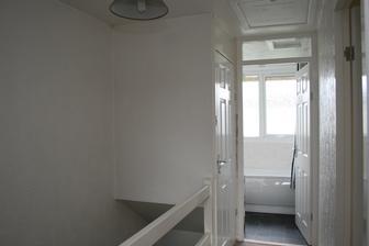 Horni patro - 3. loznice, nova koupelna a za dvermi vlevo je plynovy kotel.