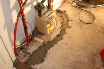 podklani beton, zitra natrem gumoasfaltem a zase jeste zabetonujeme.