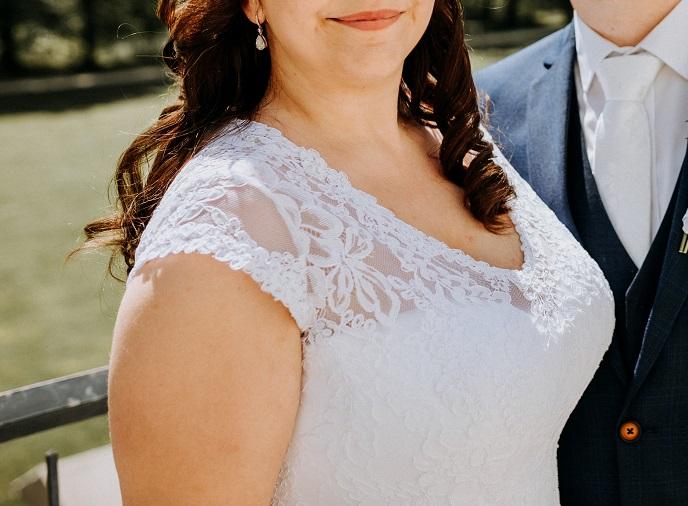 Svadobné šaty snehobiele - Obrázok č. 2