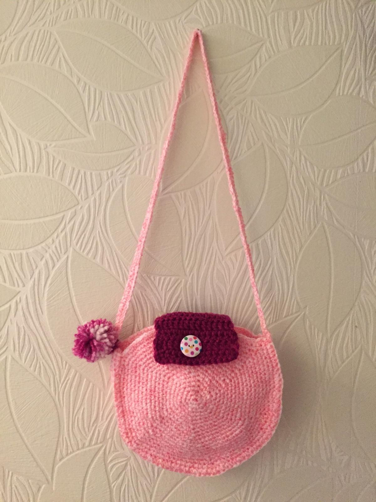 Háčkování a pletení - Kabelka pro šestiletou vnučku k narozeninám. :-)